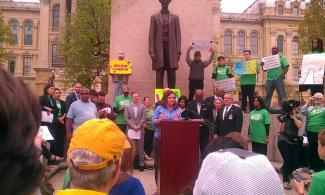 EARTH DAY RALLY PHOTO1